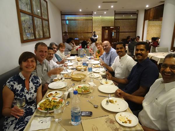 Diner met agenten en andere contacten